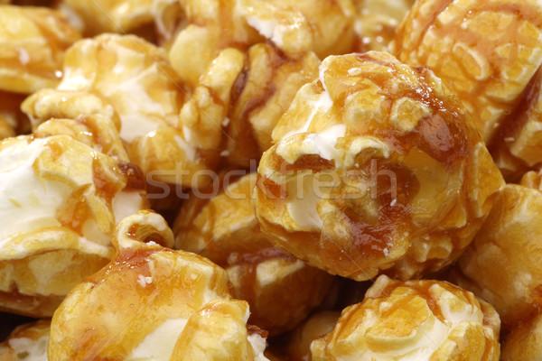 Knapperig karamel popcorn smakelijk achtergrond mais Stockfoto © peter_zijlstra