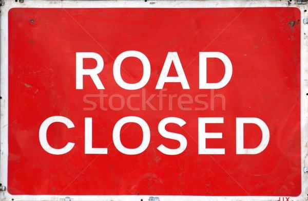 Route fermé signe sale météorologiques Photo stock © peterguess