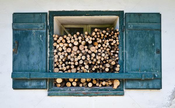ウィンドウ 薪 風化した 古い 冷たい 冬 ストックフォト © PeterHermesFurian