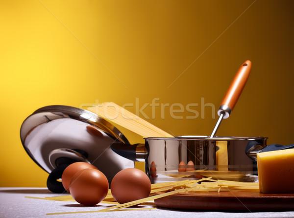 Foto d'archivio: Cottura · spaghetti · uova · formaggio · tavola
