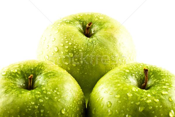 Foto stock: Verde · maçãs · gotas · de · água · isolado · branco · comida