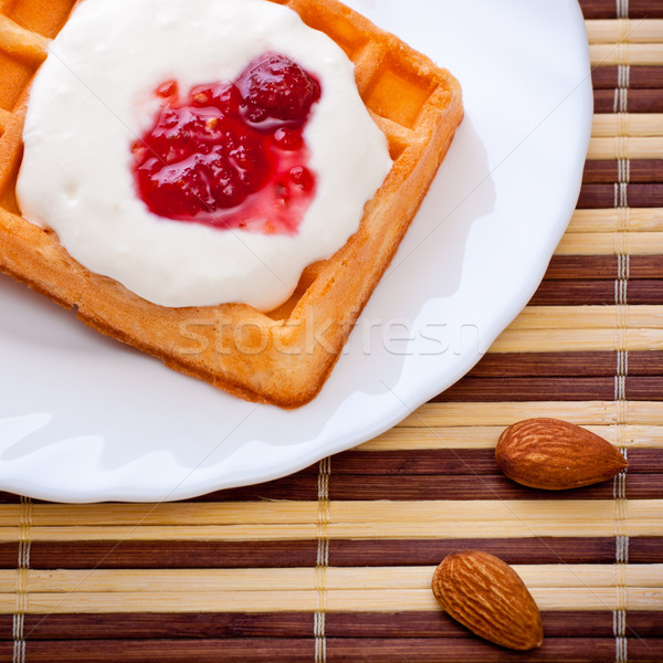 Dessert soft gaufre framboise confiture rouge Photo stock © PetrMalyshev