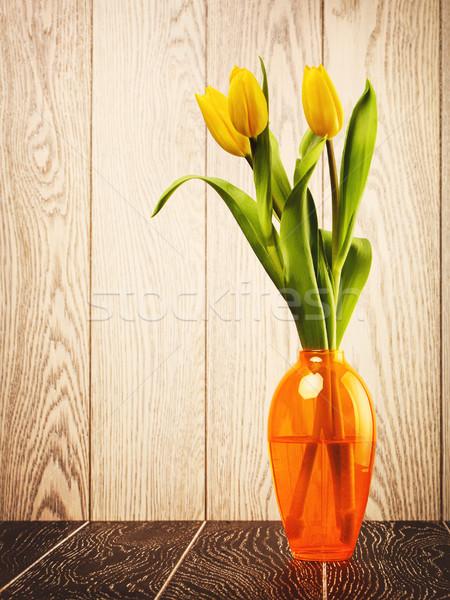 Tulipán flores ramo jarrón primavera Foto stock © PetrMalyshev