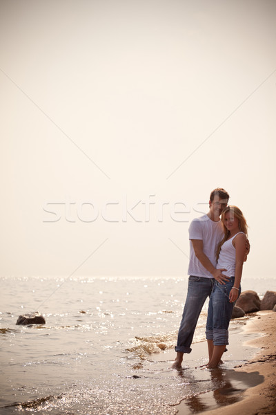 Belle couple fille homme nature mer Photo stock © PetrMalyshev