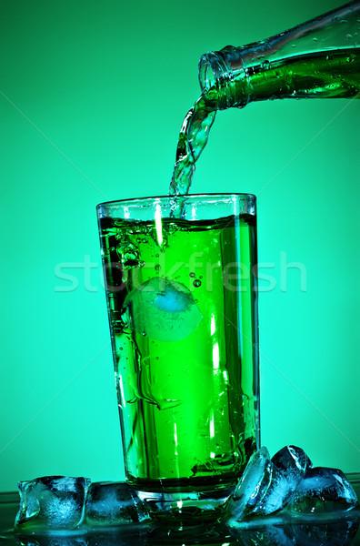 Soude verre vert fond énergie Photo stock © PetrMalyshev