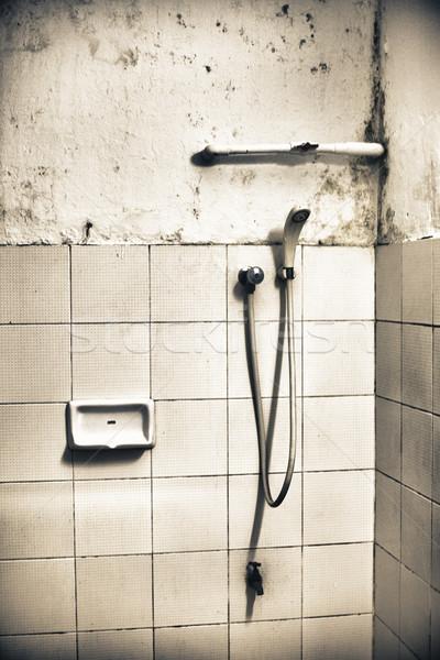 Sale douche vieux toilettes pan Épouvantable Photo stock © PetrMalyshev