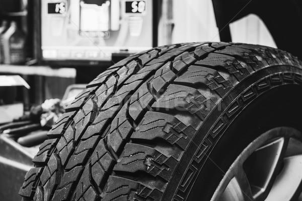 колесо шин черно белые изображение рабочих Сток-фото © Phantom1311