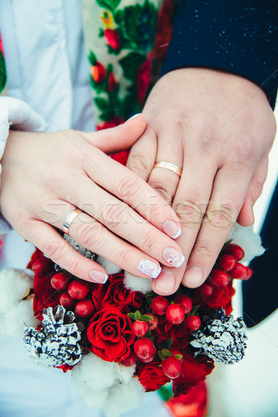 Menyasszonyi kezek gyűrűk sekély mező virágcsokor Stock fotó © Phantom1311