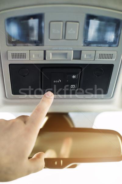 Sos pulsante auto allarme mano raggiungere Foto d'archivio © Phantom1311