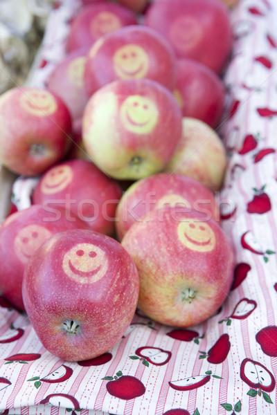 Pommes rue marché Norvège fruits santé Photo stock © phbcz