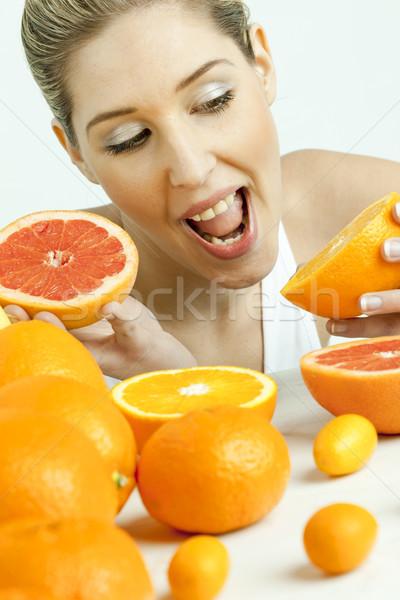 портрет цитрусовые продовольствие женщины молодые Сток-фото © phbcz