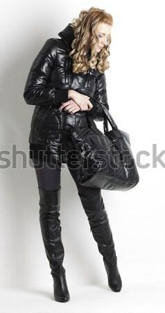 áll nő visel extravagáns ruházat nők Stock fotó © phbcz