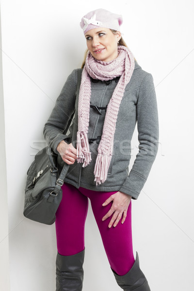 Portret vrouw winter kleding handtas Stockfoto © phbcz