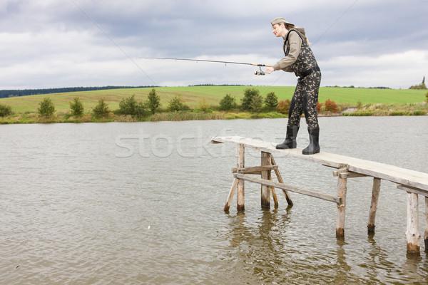 рыбалка с пирса видео