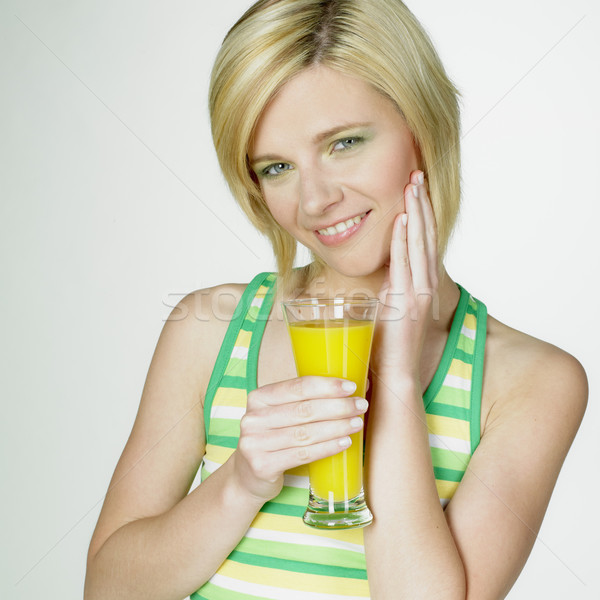Zdjęcia stock: Kobieta · szkła · soku · okulary · młodych · sam