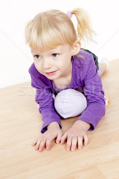 Сток-фото: портрет · девочку · играет · кукла · девушки · ребенка