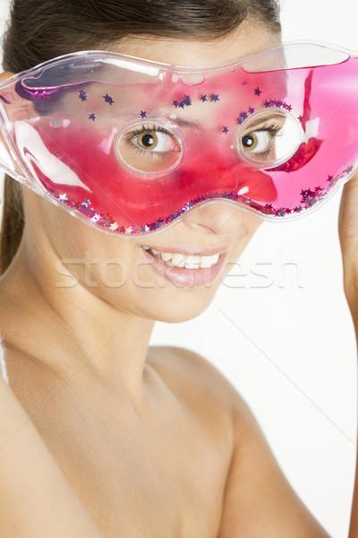 Retrato mulher jovem resfriamento máscara mulher beleza Foto stock © phbcz