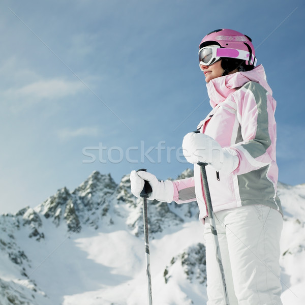 Vrouw skiër alpen bergen Frankrijk sneeuw Stockfoto © phbcz