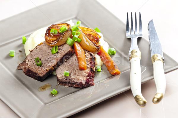 Marhapörkölt sárgarépa krumpli hús kés étel Stock fotó © phbcz