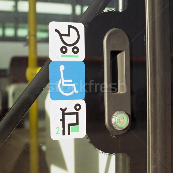Diagrammi sedia a rotelle oggetti tre simbolo primo piano Foto d'archivio © phbcz