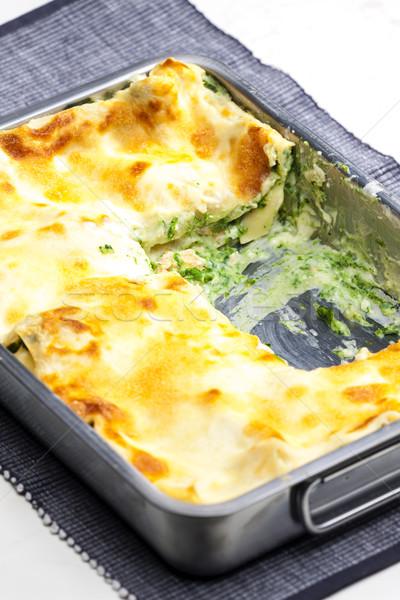 Foto d'archivio: Lasagne · salmone · spinaci · pesce · formaggio · interni