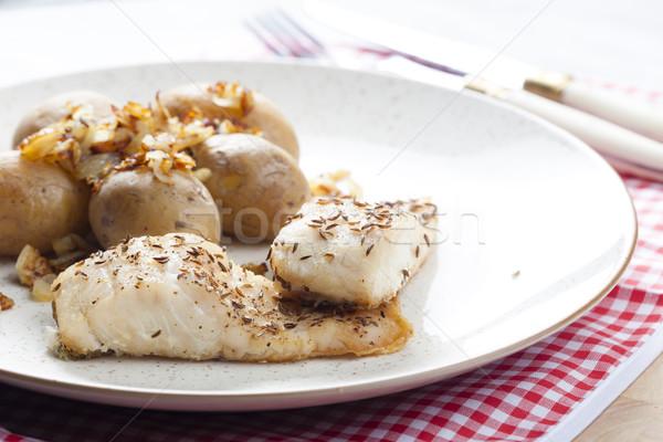 Komijn vis plaat vork plantaardige aardappel Stockfoto © phbcz