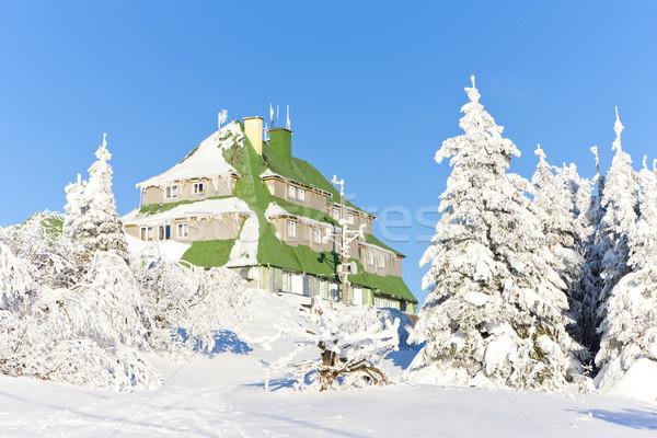 Foto stock: Casa · de · campo · montanhas · inverno · República · Checa · árvore · edifício