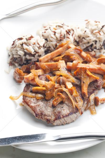 Befsztyk grzyby drób szynka tablicy ryżu Zdjęcia stock © phbcz