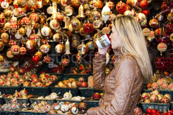 Photo stock: Femme · potable · chaud · vin · Noël · marché
