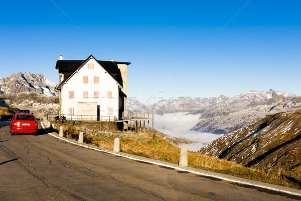 Szwajcaria domu samochodu krajobraz podróży góry Zdjęcia stock © phbcz