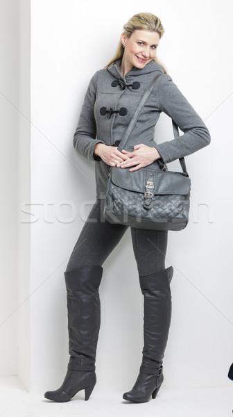 Kobieta szary ubrania torebka osoby Zdjęcia stock © phbcz