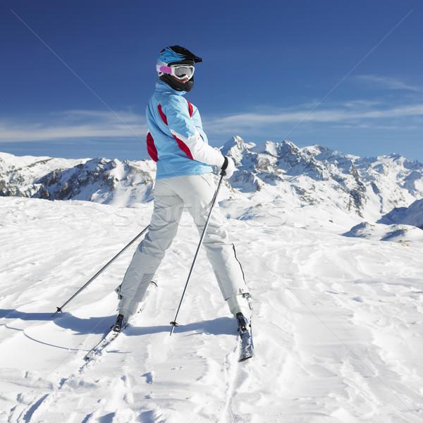 Vrouw skiër alpen bergen Frankrijk sport Stockfoto © phbcz