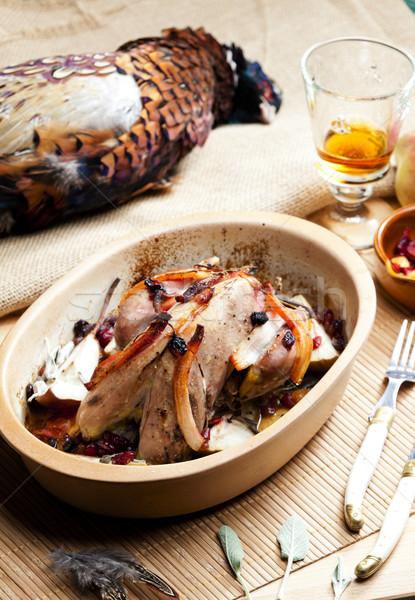 Gebakken spek peer rozijnen brandewijn vlees Stockfoto © phbcz