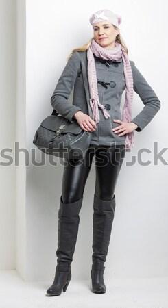 Ayakta hamile kadın moda siyah bot Stok fotoğraf © phbcz