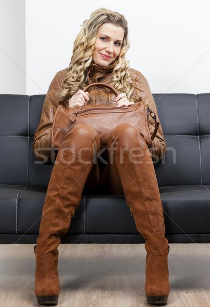 女性 着用 ブラウン 服 ブーツ ハンドバッグ ストックフォト © phbcz