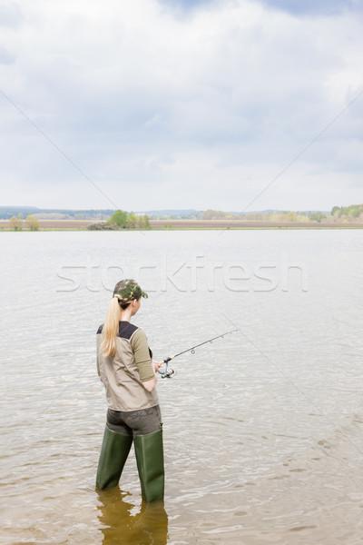 женщину рыбалки пруд женщины расслабиться Hat Сток-фото © phbcz