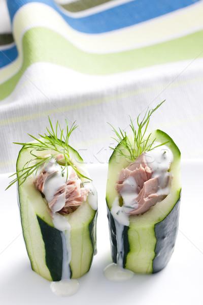 Tonhal saláta uborka tányér zöldség étel edény Stock fotó © phbcz