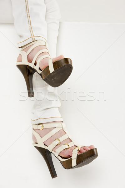 Detail vrouw zomerschoenen benen schoen Stockfoto © phbcz