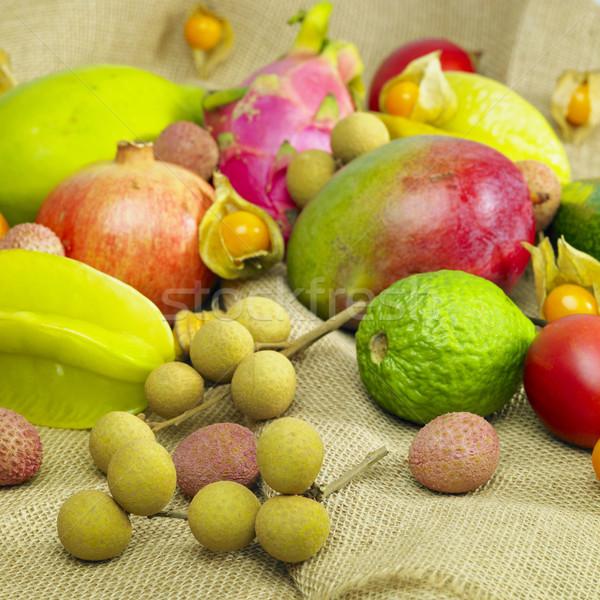 Tropische vruchten stilleven vruchten gezondheid interieur zoete Stockfoto © phbcz