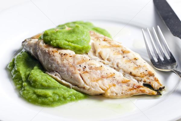 Gegrild makreel basilicum plaat mes maaltijd Stockfoto © phbcz