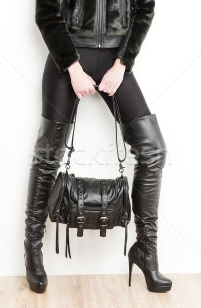 Dettaglio piedi donna indossare nero vestiti Foto d'archivio © phbcz