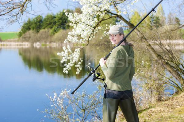 Mulher pescaria lagoa primavera mulheres retrato Foto stock © phbcz