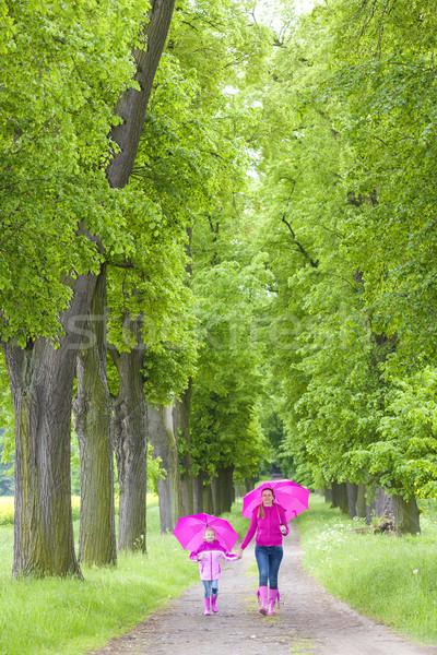 Anne kız bahar geçit kadın Stok fotoğraf © phbcz