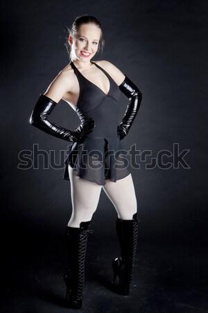 Sessão mulher jovem extravagante roupa mulheres Foto stock © phbcz