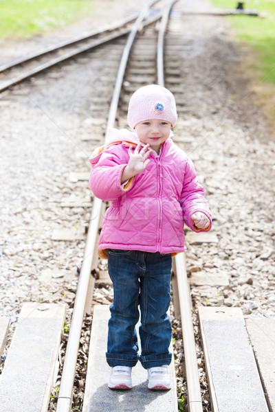 Kislány keskeny kaliber vasút lány gyermek Stock fotó © phbcz