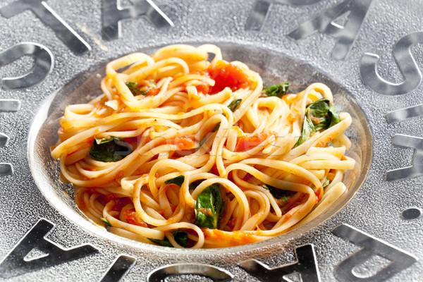 Spaghetti tomaten basilicum plaat tomaat maaltijd Stockfoto © phbcz