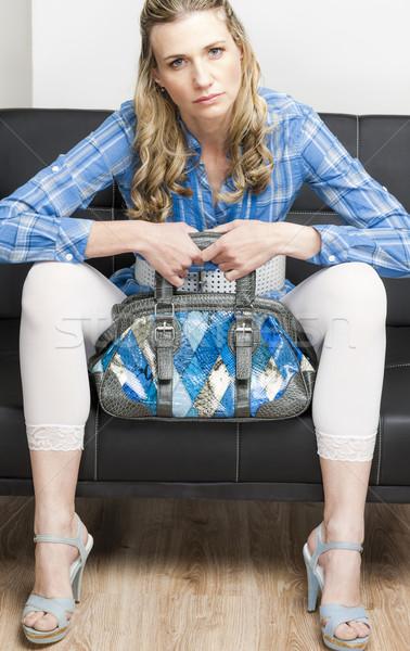 女性 着用 夏の靴 ハンドバッグ 座って ソファ ストックフォト © phbcz