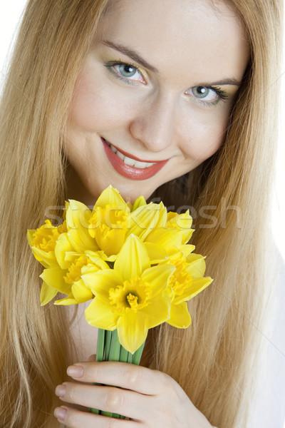 Retrato mulher jovem narcisos mulher flor flores Foto stock © phbcz