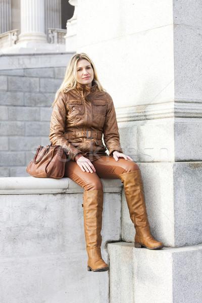 Kobieta posiedzenia Wiedeń Austria miasta osoby Zdjęcia stock © phbcz