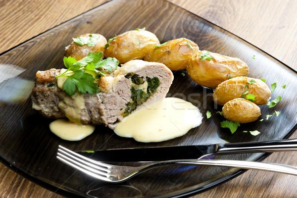 Foto stock: Carne · de · porco · espinafre · queijo · de · cabra · creme · queijo